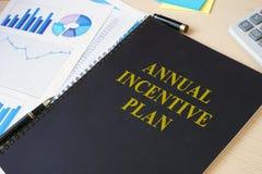 Plano incentive anual em uma mesa Imagens de Stock Royalty Free