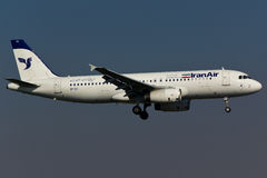 Plano Iran Air de Airbus A320 fotos de stock royalty free