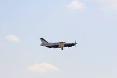Plano pequeno no vôo Foto de Stock Royalty Free