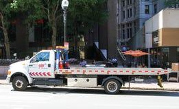 Plano Tow Truck del AAA Fotografía de archivo