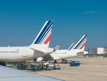 Planos de Air France em Paris fotos de stock royalty free