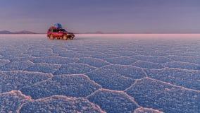 Planos de la sal, Bolivia, 4wd foto de archivo