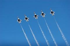 Planos do F16 Thunderbird no airshow Fotografia de Stock Royalty Free