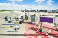 Planos em Don Muang Airport o 25 de outubro de 2015 em Banguecoque, abóbada Imagem de Stock Royalty Free
