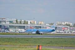 Planos no aeroporto de Okecie Imagens de Stock Royalty Free