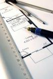Plans d'architectes avec le stylo et la règle photographie stock libre de droits