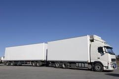 Plans rapprochés blancs de camion Images libres de droits