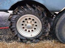 Plant gummihjul på ett 5th hjul Arkivfoton
