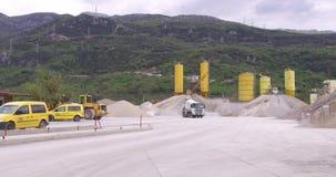 Planta concreta para a produção de materiais de construção video estoque