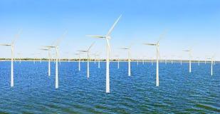 Planta costa afuera de la energía eólica Imagenes de archivo