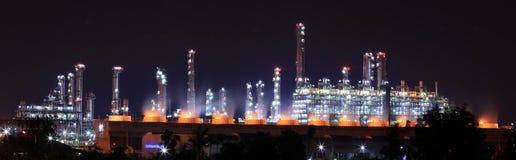 Planta da refinaria de petróleo Fotografia de Stock Royalty Free