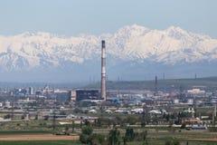 Planta da tubulação em Shymkent kazakhstan foto de stock royalty free