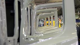 Planta de camión industrial grande de la tienda escena Fábrica de la soldadora del diagrama Fondo industrial Planta para la produ almacen de video