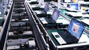 Planta de fabricación en la fábrica del ordenador portátil metrajes