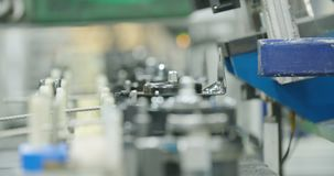 Planta de fabricación de las piezas para la industria del automóvil almacen de metraje de vídeo