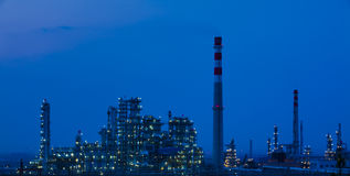 Planta de la industria petroquímica de la refinería de petróleo Foto de archivo