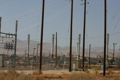 Planta de la separación del petróleo del desierto foto de archivo