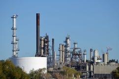 Planta de refinaria de petróleo Fotografia de Stock
