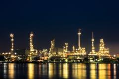 Planta de refinaria de petróleo Imagens de Stock