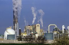 Planta de tratamiento del petróleo en Sarnia, Canadá Foto de archivo libre de regalías