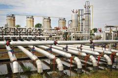 Planta de tratamiento del petróleo y gas imagenes de archivo