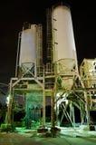 Planta do cimento na noite Imagens de Stock