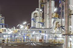 Planta do petróleo na noite Fotografia de Stock