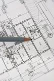 Planta e lápis da arquitetura da casa no papel Fotografia de Stock