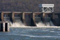 Planta hidroeléctrica Imágenes de archivo libres de regalías