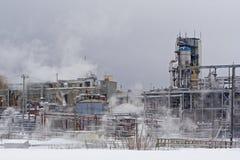 Planta industrial en invierno fotos de archivo
