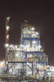 Planta industrial química na noite Fotos de Stock