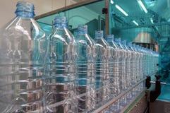 Planta para el agua mineral imagen de archivo