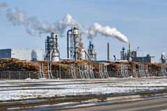 Planta para a produção de materiais para a mobília e a indústria da construção civil Kronospan Mogilev Fotografia de Stock