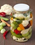 Plantaardige groenten in het zuur Stock Foto