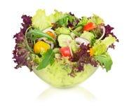 Plantaardige salade in glaskom Geïsoleerde Royalty-vrije Stock Foto