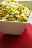 Plantaardige salade in kom Stock Foto's