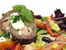 Plantaardige salade met rundvleesbroodje Royalty-vrije Stock Foto