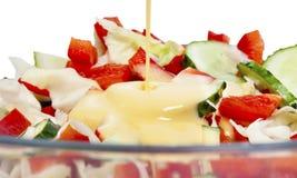 Plantaardige salademengeling met mayonaise Stock Afbeeldingen