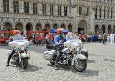 Plantación de la ceremonia de Meyboom en Grand Place, Bruselas Foto de archivo libre de regalías