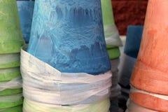 Plantadores coloridos do potting Fotografia de Stock Royalty Free