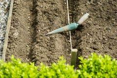 Plantagen-Garten-Werkzeuge stockbild