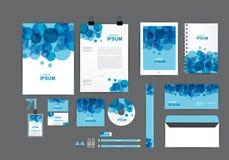 Plantilla azul y blanca de la identidad corporativa para su negocio Fotos de archivo