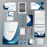 Plantilla blanca de la identidad corporativa con los elementos azules de la papiroflexia VE Fotos de archivo