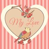 Plantilla con el corazón, el pájaro y las bayas rojas Tarjeta de la tarjeta del día de San Valentín Vector Imagen de archivo libre de regalías