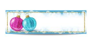 Plantilla de la bandera del Año Nuevo con la bola de la Navidad y el marco de oro Imágenes de archivo libres de regalías