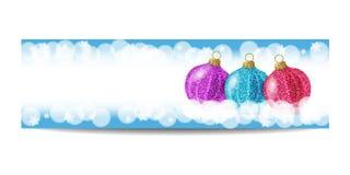 Plantilla de la bandera del Año Nuevo con la bola y los copos de nieve de la Navidad Fotografía de archivo libre de regalías