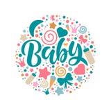 Plantilla de la invitación de la fiesta de bienvenida al bebé con las letras de la mano stock de ilustración