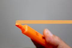 Plantilla de la pluma y de la mano Imagenes de archivo