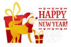 Plantilla de la postal de la Feliz Año Nuevo con el perro amarillo lindo con el regalo rojo en el fondo blanco La historieta del  Fotos de archivo libres de regalías