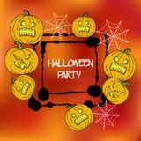 Plantilla de las tarjetas de la acción para el partido de Halloween Calabaza del dibujo de la mano, araña, web Marco de la salpic Foto de archivo libre de regalías